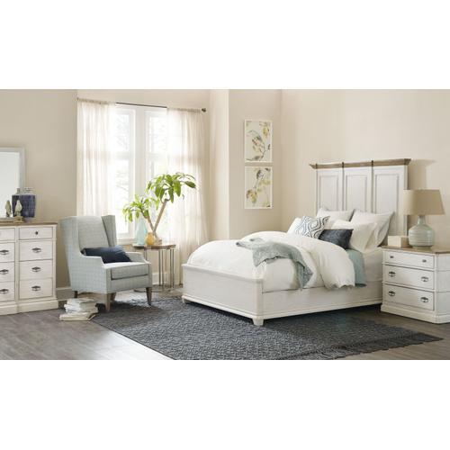 Bedroom Montebello Queen Wood Mansion Bed