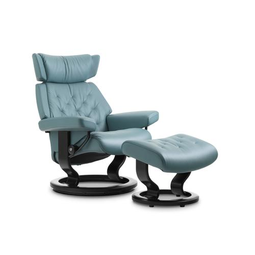 Stressless Skyline Medium Classic Base Chair and Ottoman