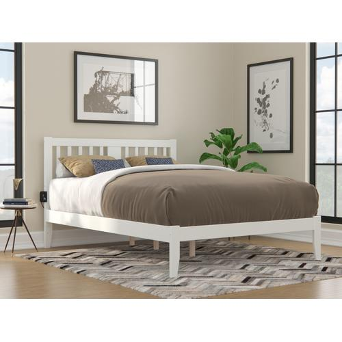 Atlantic Furniture - Tahoe Queen Bed with USB Turbo Charger in White