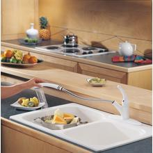 White Single Handle Pull-Out Kitchen Faucet