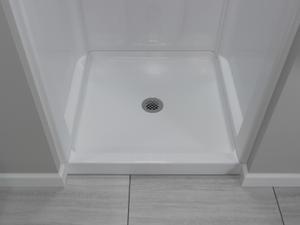 "White Classic 400 32"" x 32"" Shower Base Center Drain Product Image"