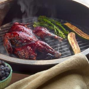 Big Green Egg - Round Cast Iron Cooking Grid for a Medium EGG