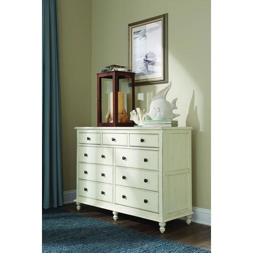 Cottage 9 Drawer Dresser