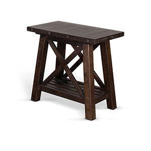 Sunny Designs - Vivian Chair Side Table