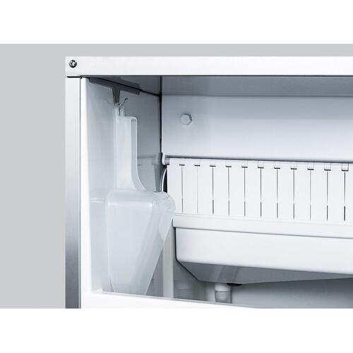 62 Lb. Clear Outdoor Icemaker