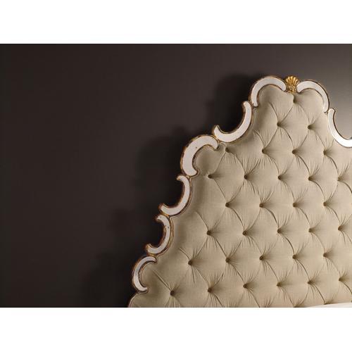 Hooker Furniture - Sanctuary California King Tufted Bed - Bling