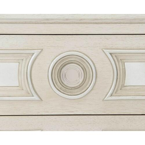 Gallery - Allure Bachelor's Chest in Manor White (399)