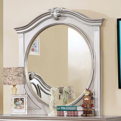 Claudia Mirror