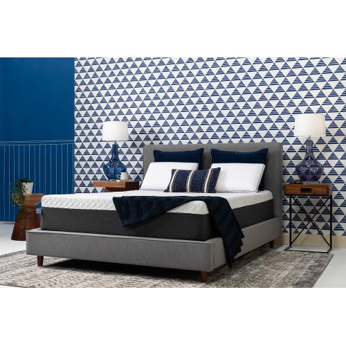 "Conform - Essentials Collection - 12"" Memory Foam - Mattress In A Box - Cal King"
