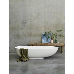 Teardrop Grande Bathtub