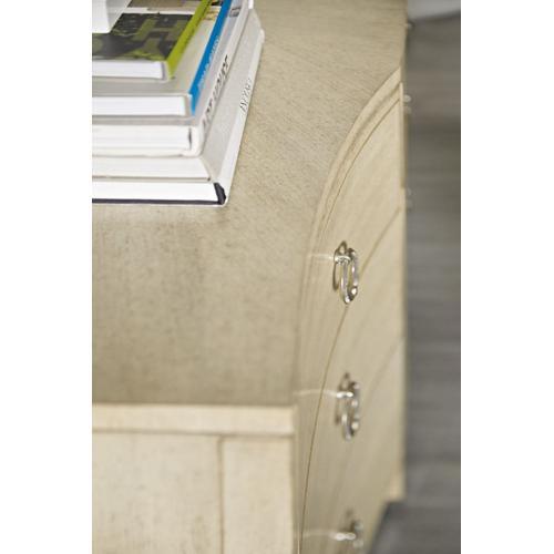 Bedroom Newport San Mateo Nine-Drawer Dresser