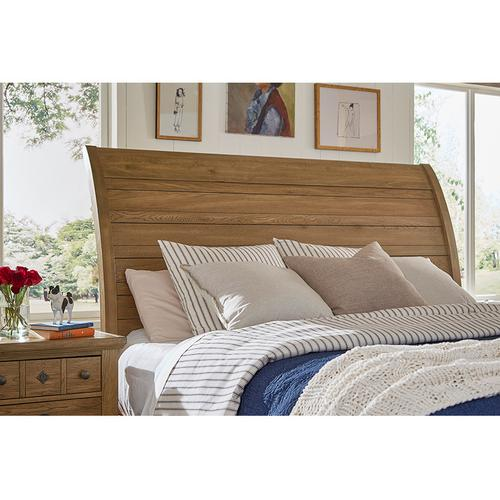 Sleigh Bed with Elder's Bench Footboard