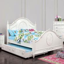 Henrietta Bed