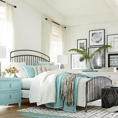 Miriam Queen Bed