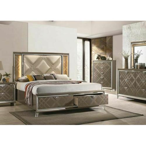 Skylar Eastern King Bed