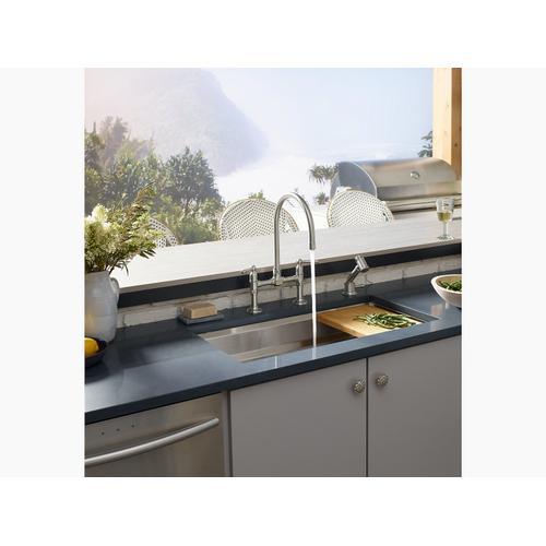 """33"""" X 17-3/4"""" X 10-15/16"""" Undermount Single-bowl Kitchen Sink With Accessories"""