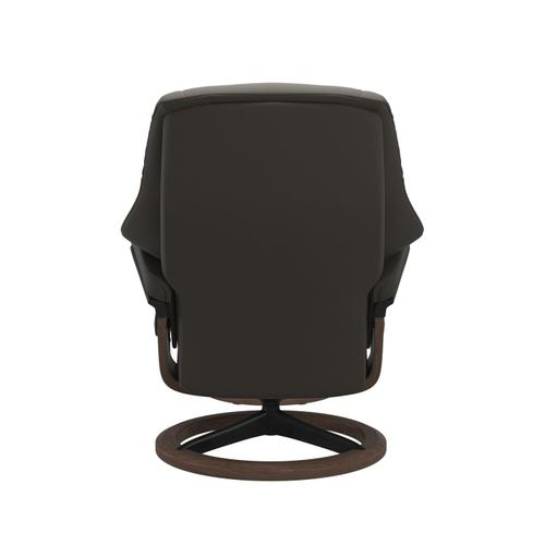 Stressless By Ekornes - Stressless® Live (M) Signature chair with footstool