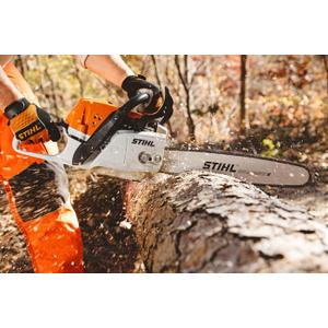 Gallery - Advanced engine technology improves fuel economy by up to 20% over previous model chainsaws for longer run times.