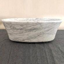 Calma Bathtub Carrara Marble