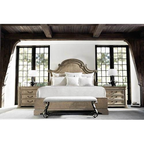 Queen-Sized Villa Toscana Panel Bed in Criollo (302)