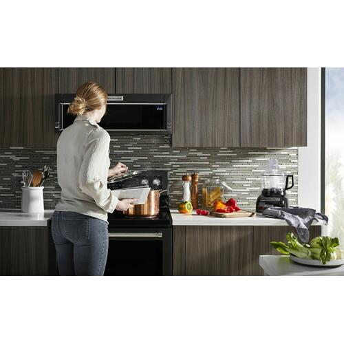 KitchenAid Canada - 900-Watt Low Profile Microwave Hood Combination - Black Stainless Steel with PrintShield™ Finish