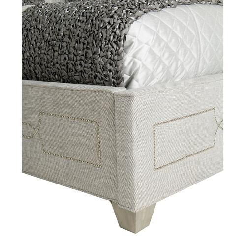 California King Criteria Upholstered Bed in Heather Gray (363)