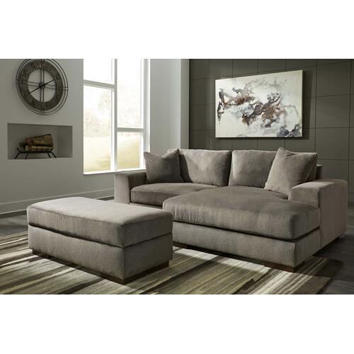 Manzani Sectional Right