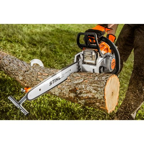 With the STIHL Easy2Start system and Quick Chain Adjuster, this high-tech chainsaw is unbelievably easy to use.
