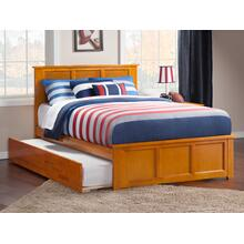 Madison Full Bed with Matching Foot Board with Urban Trundle Bed in Caramel Latte