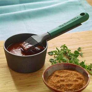 Big Green Egg - Cast Iron Sauce Pot with Basting Brush