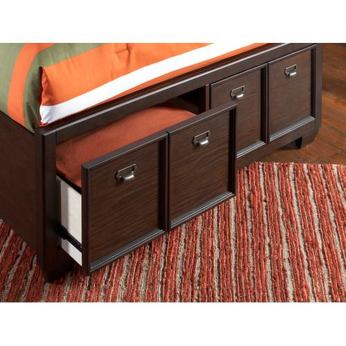 Clubhouse Storage Footboard Full