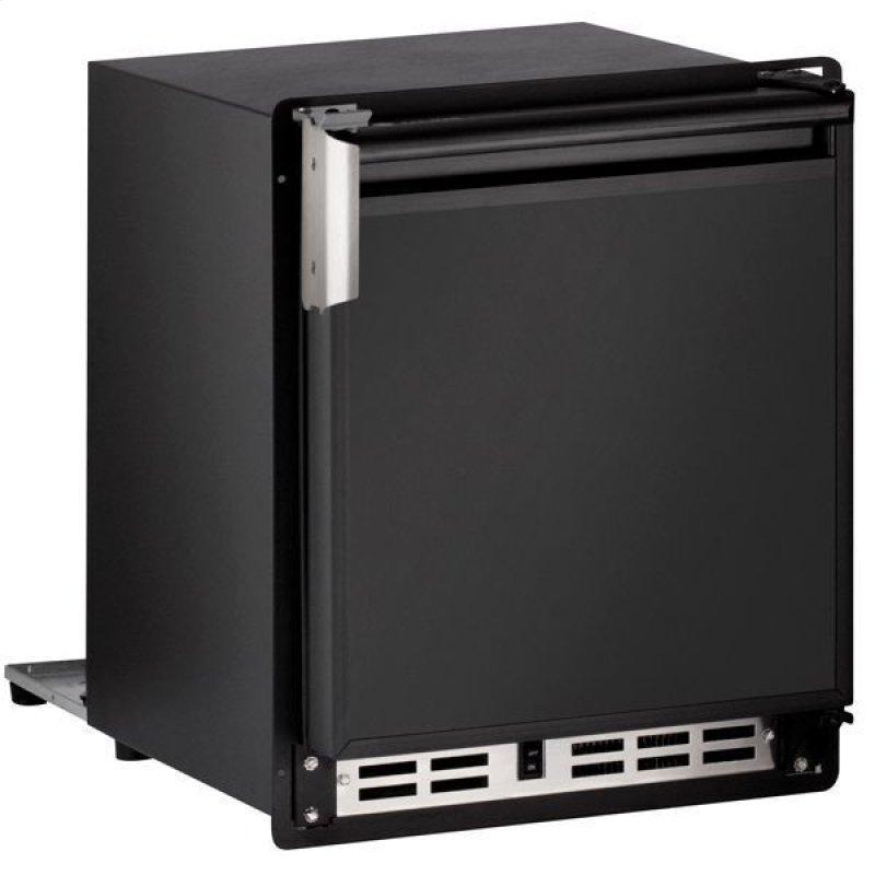 "15"" Crescent Ice Maker With Black Solid Finish (230 V/50 Hz Volts /50 Hz Hz)"