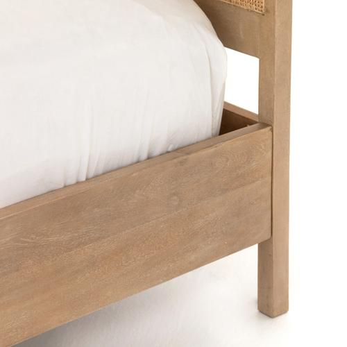 Queen Size Natural Finish Sydney Bed