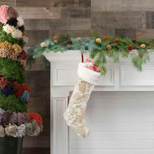 """Home for the Holiday Vv920 Gold 17"""" X 10"""" Holiday Accessories"""