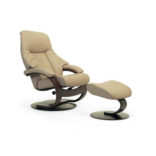 510 Alfa C Manual Large Recliner With Footstool