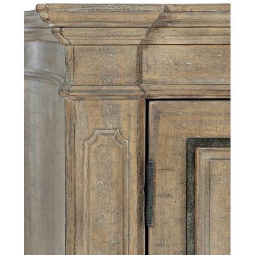 Bernhardt - Villa Toscana Entertainment Credenza in Criollo (302)