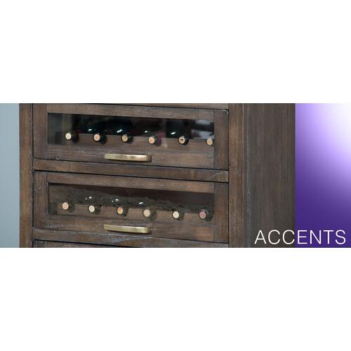 Server w/ Single Wine Racks