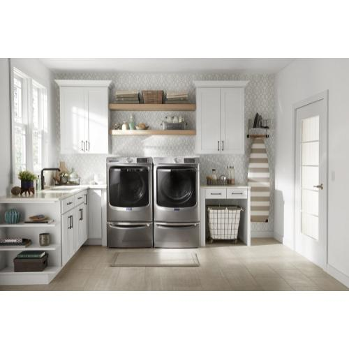 Smart Front Load Washer with Extra Power and 24-Hr Fresh Hold® option - 5.8 cu. ft.
