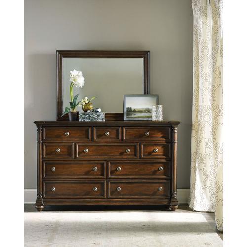 Bedroom Leesburg Dresser