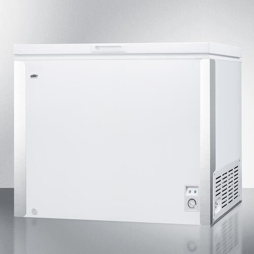 Commercially Listed 9 CU.FT. Manual Defrost Chest Freezer In White With Stainless Steel Corner Protectors