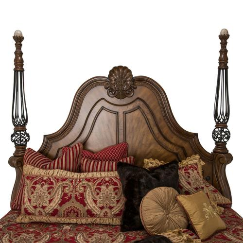Cal King Poster Bed (3 Pc)