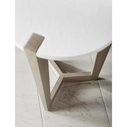 Axiom Accent Table in Linear Gray (381)