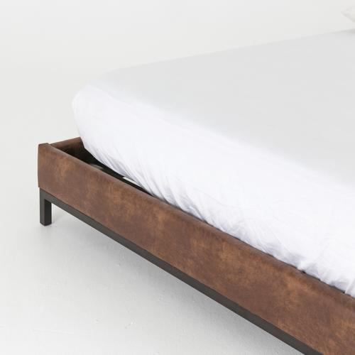 Queen Size Vintage Tobacco Cover Newhall Bed