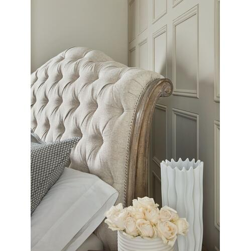 Bedroom Castella California King Tufted Bed
