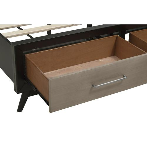 Mazin Furniture - Queen Platform Bed with Footboard Storage