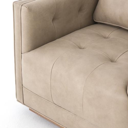 Kiera Swivel Chair-umber Natural