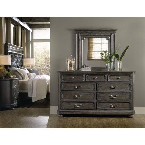 Bedroom Vintage West Nine-Drawer Dresser