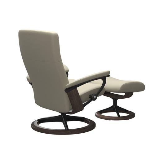Stressless By Ekornes - Stressless® Dover (L) Signature chair with footstool
