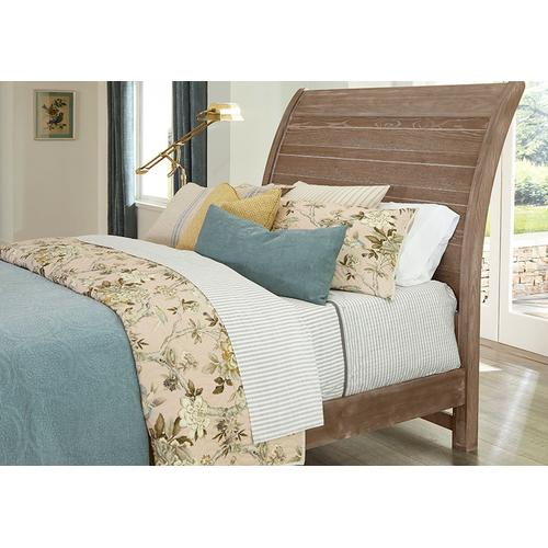 "Queen ""Rogers"" Sleigh Bed with Elders bench Footboard"