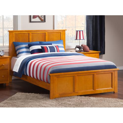 Madison Queen Bed with Matching Foot Board in Caramel Latte